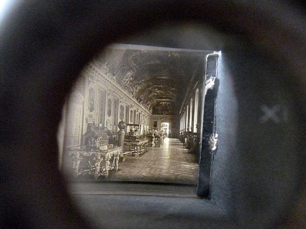 Visionneuse. Musée du Louvre. Les salles, Galerie d'Apollon. Atelier 2016. Photographie: Emmanuel Dundic