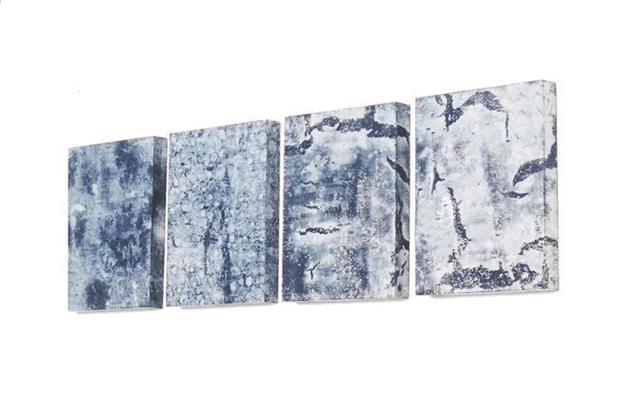 Héraldique. Pages de la bourse, acrylique, acide. Atelier 2000. Photographie: Emmanuel Dundic